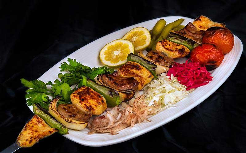 هویت ایرانی، غذای ایرانی در کبابی گلپایگانی