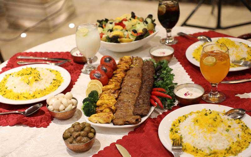روانشناسی رنگ غذاها در غذا سرای کبابی گلپایگانی